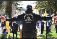 Universitarios Escrachan Charla de Militante Pro-Trump + Niño Antifa Enajenado.-